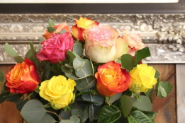 Blumenstrauß mit großen Rosen